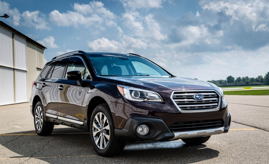 2017 Subaru Outback 3.6R - Slide 2
