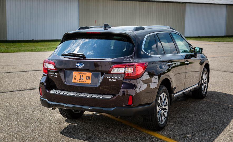 2017 Subaru Outback 3.6R - Slide 6