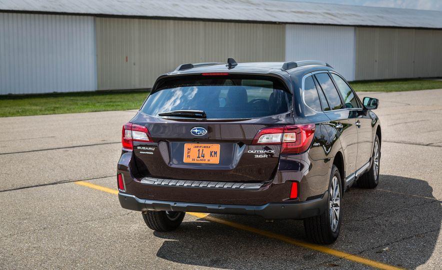 2017 Subaru Outback 3.6R - Slide 7