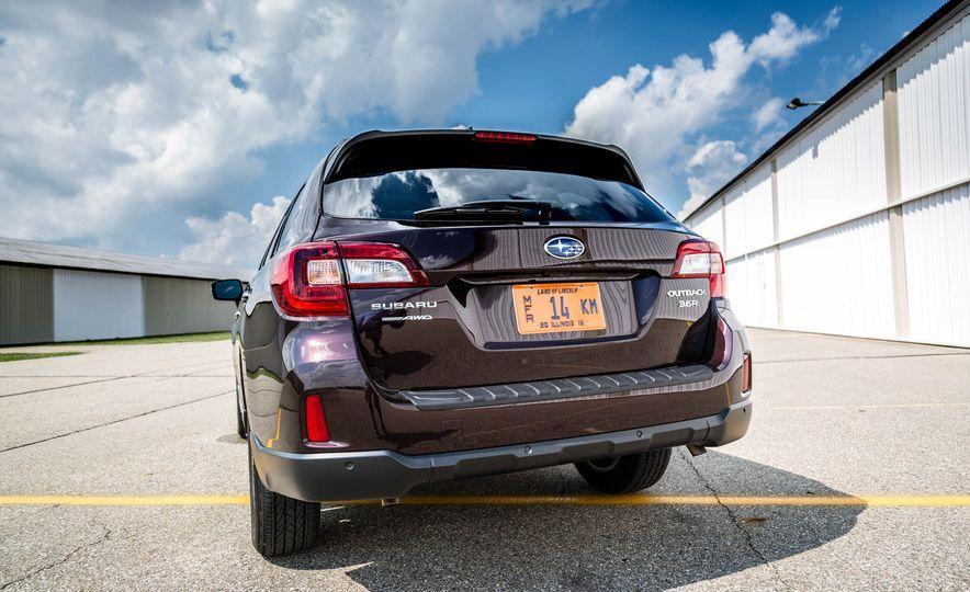 2017 Subaru Outback 3.6R - Slide 8