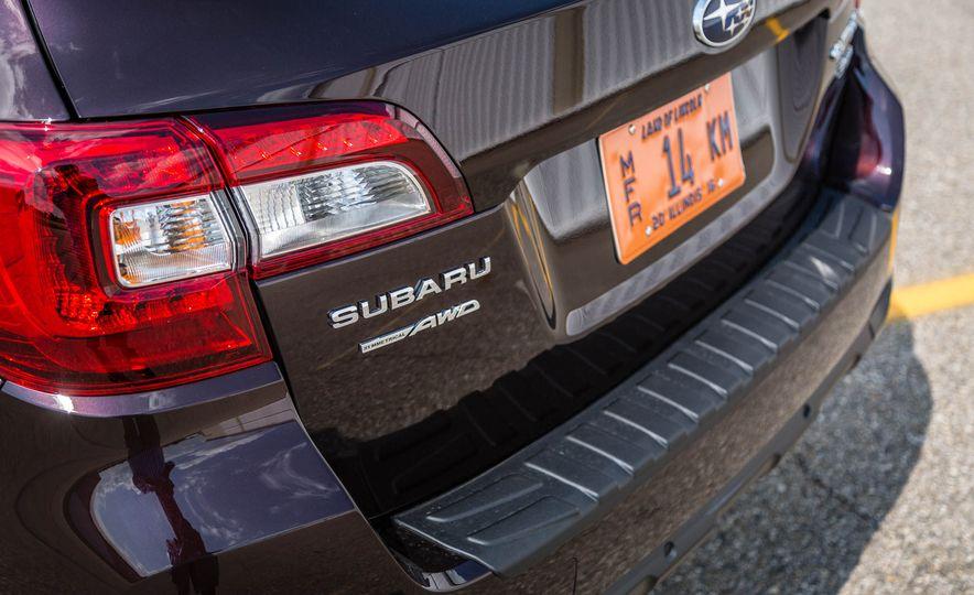 2017 Subaru Outback 3.6R - Slide 10