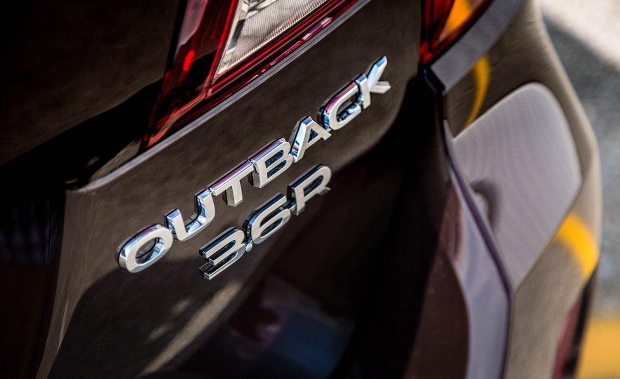 2017 Subaru Outback 3.6R - Slide 12