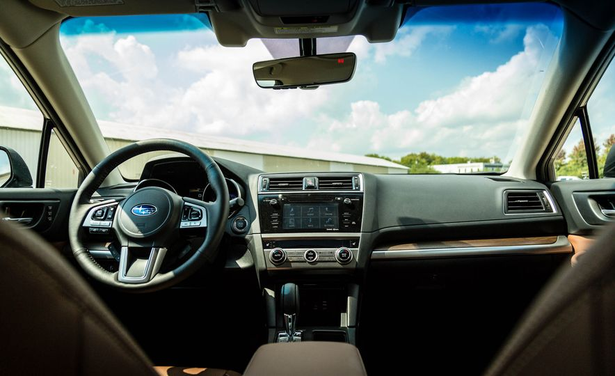2017 Subaru Outback 3.6R - Slide 13