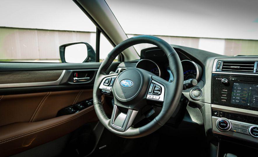 2017 Subaru Outback 3.6R - Slide 14
