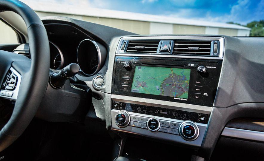 2017 Subaru Outback 3.6R - Slide 21