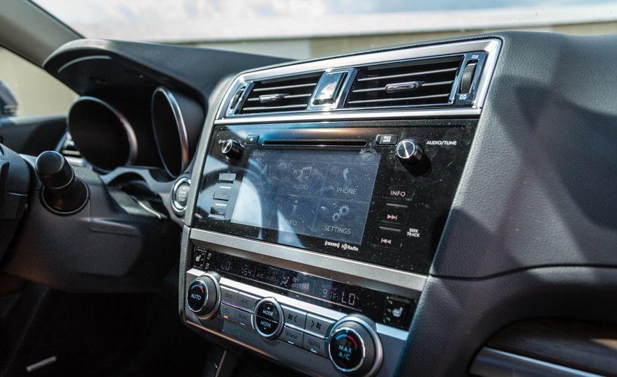 2017 Subaru Outback 3.6R - Slide 22