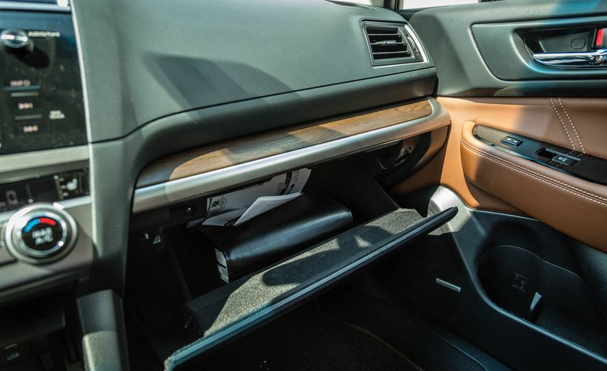 2017 Subaru Outback 3.6R - Slide 25