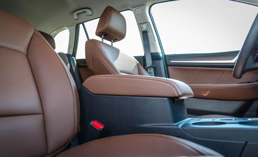 2017 Subaru Outback 3.6R - Slide 29