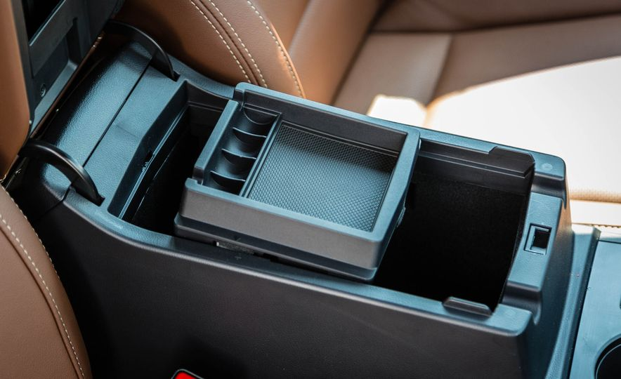 2017 Subaru Outback 3.6R - Slide 30