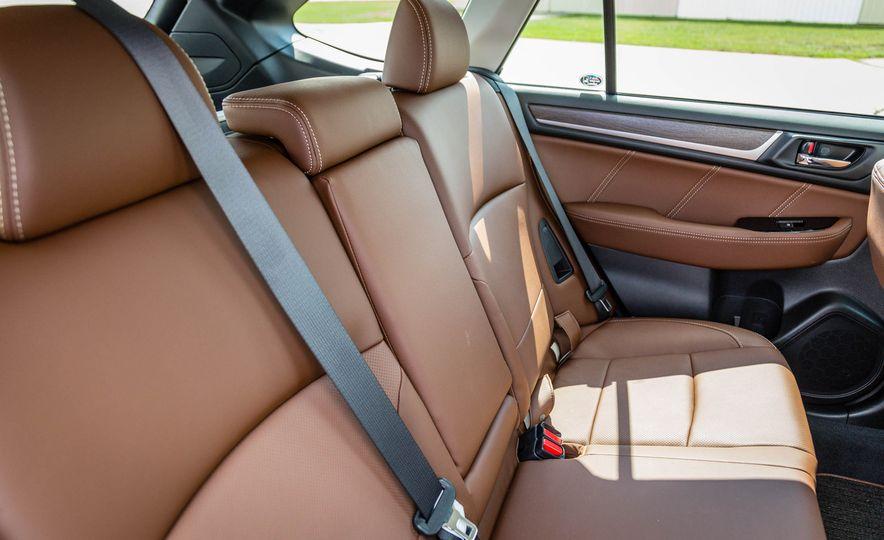 2017 Subaru Outback 3.6R - Slide 33