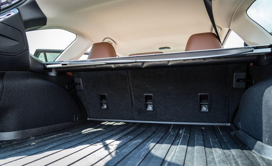 2017 Subaru Outback 3.6R - Slide 37