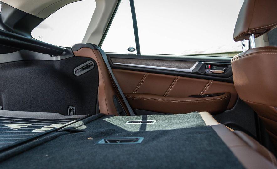 2017 Subaru Outback 3.6R - Slide 42