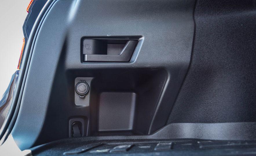 2017 Subaru Outback 3.6R - Slide 43