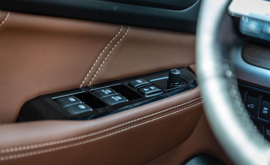2017 Subaru Outback 3.6R - Slide 46
