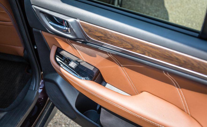 2017 Subaru Outback 3.6R - Slide 47