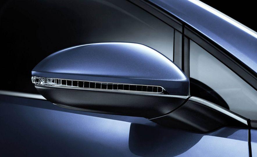 2017 Volkswagen Golf - Slide 5