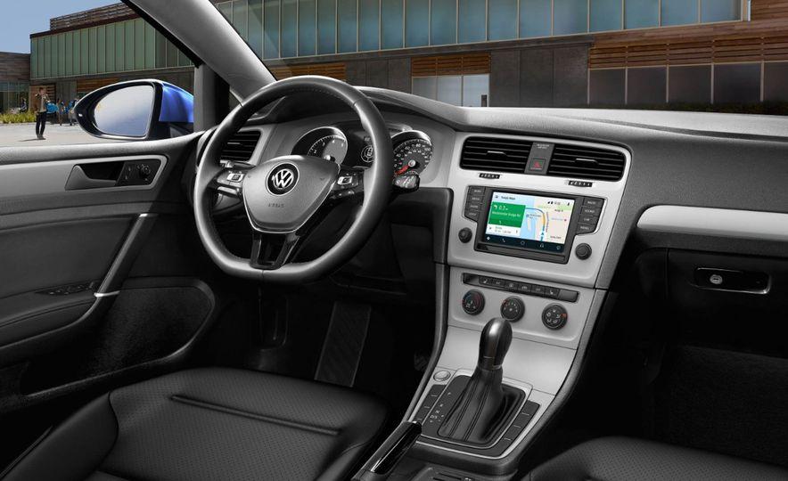 2017 Volkswagen Golf - Slide 8