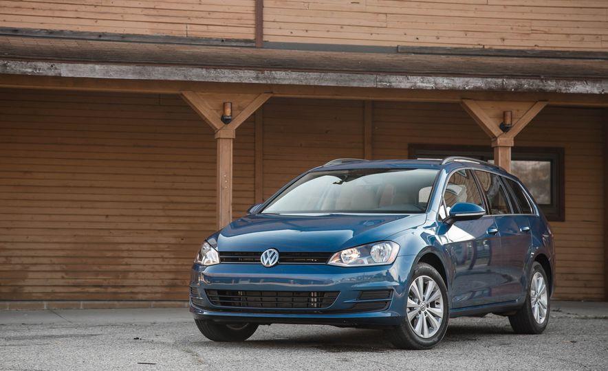 2017 Volkswagen Golf Sportwagen 4MOTION - Slide 2