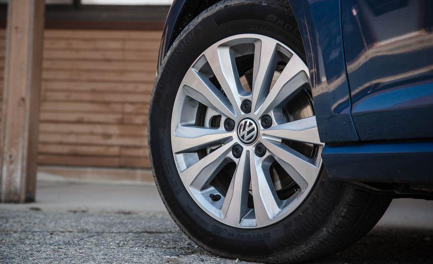 2017 Volkswagen Golf Sportwagen 4MOTION - Slide 9