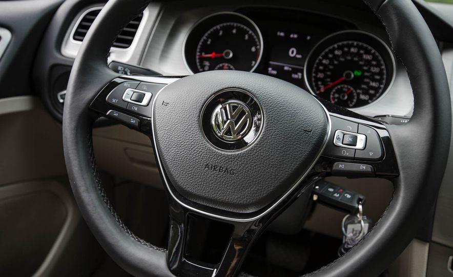 2017 Volkswagen Golf Sportwagen 4MOTION - Slide 20