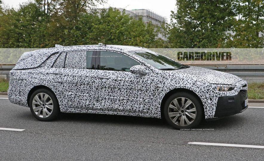 2018 Buick Regal wagon (spy photo) - Slide 4