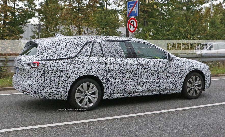 2018 Buick Regal wagon (spy photo) - Slide 7