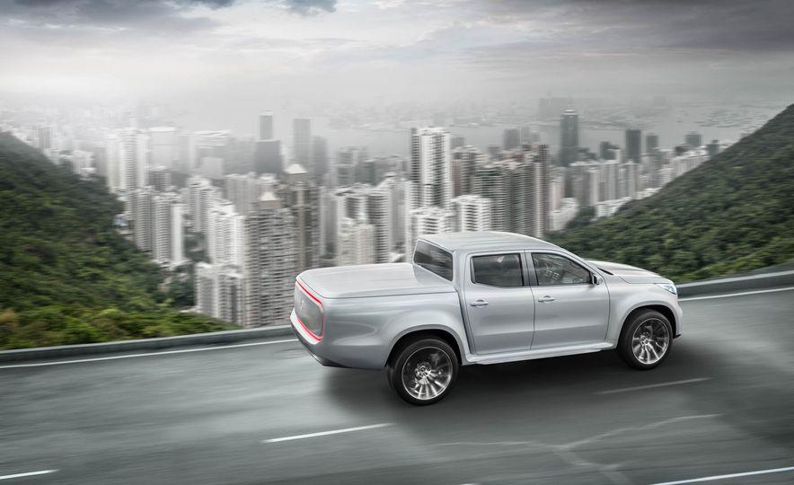 Mercedes-Benz X-class concept - Slide 11