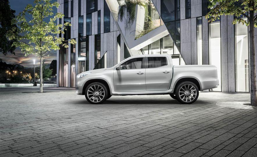 Mercedes-Benz X-class concept - Slide 16