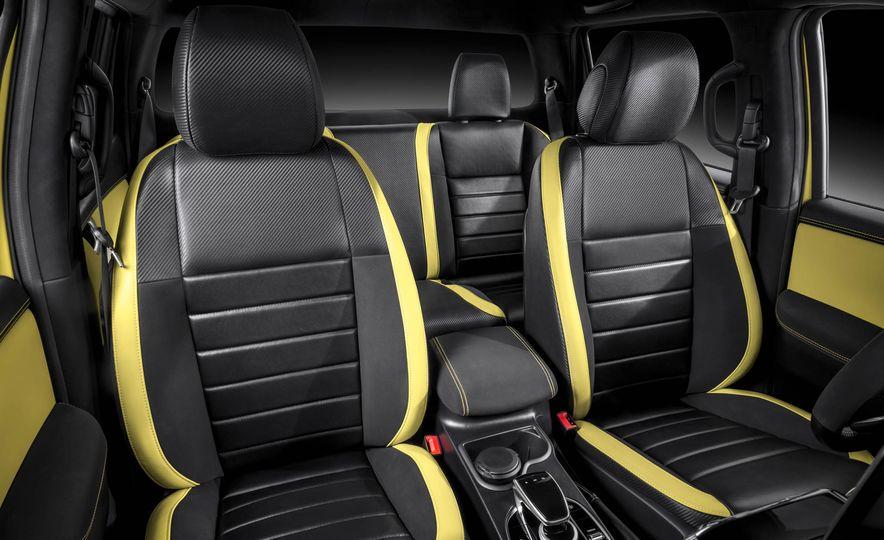 Mercedes-Benz X-class concept - Slide 30