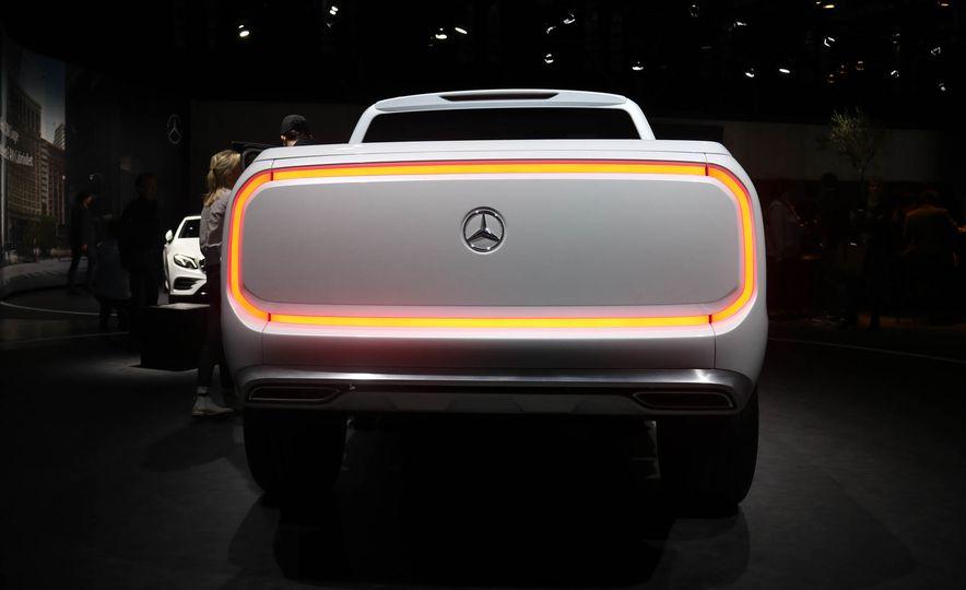 Mercedes-Benz X-class concept - Slide 4