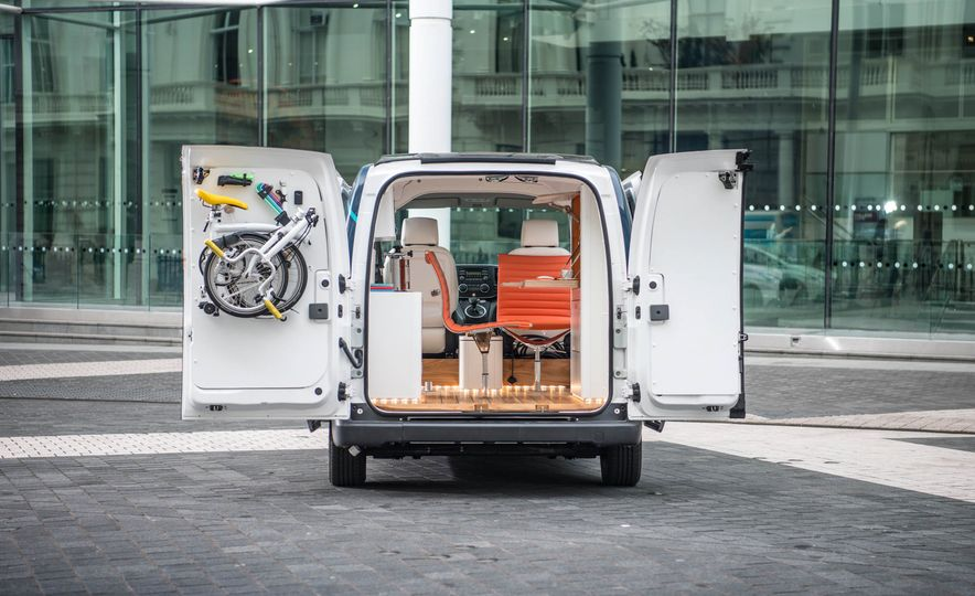 Nissan e-NV200 WORKSPACe (Euro-spec) - Slide 8