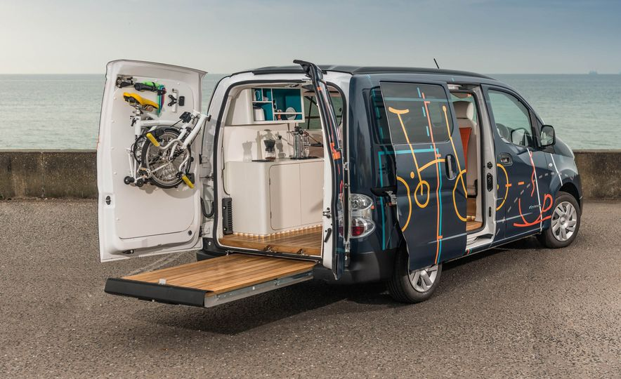 Nissan e-NV200 WORKSPACe (Euro-spec) - Slide 9
