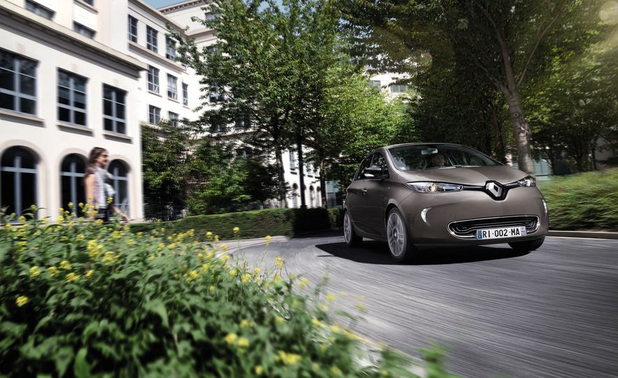 Renault Zoe EV - Slide 1