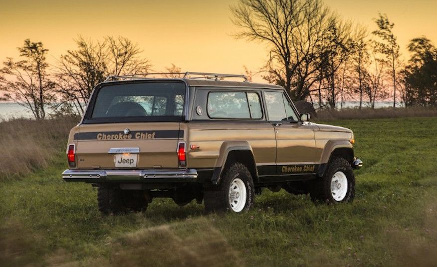 25 Wild 1970s-Era Special-Edition Pickups and SUVs - Slide 23