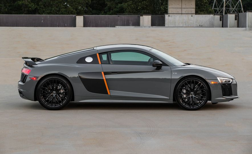 2017 Audi R8 V10 plus exclusive edition - Slide 7
