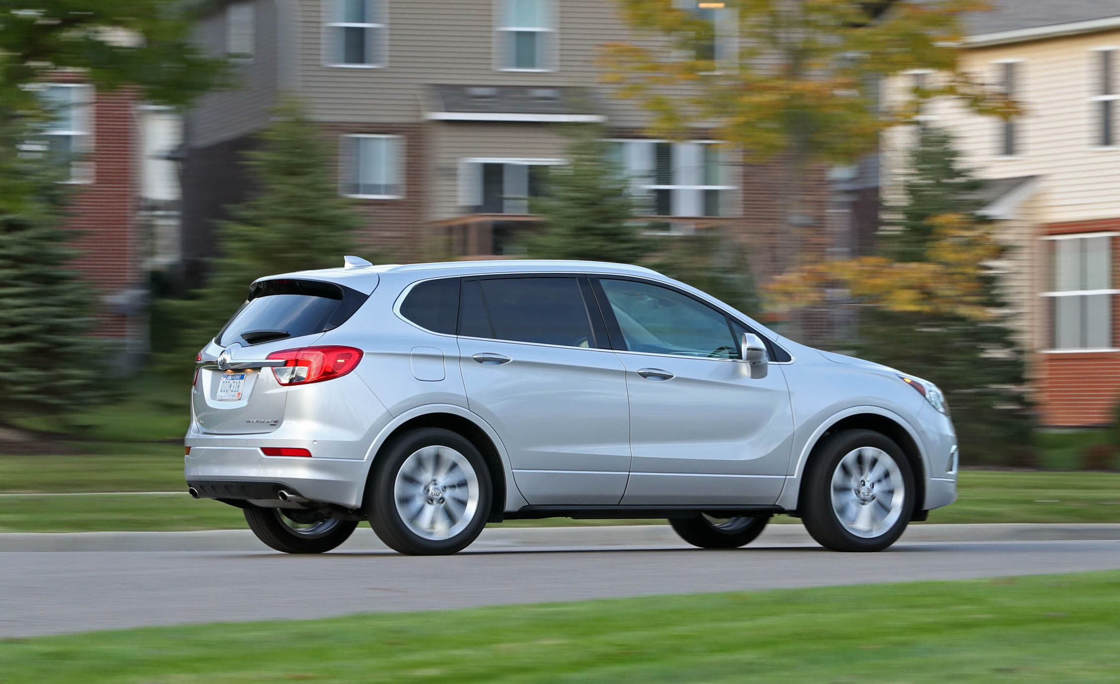 new motor suv cars buick and enclave reviews avenir rating trend parked