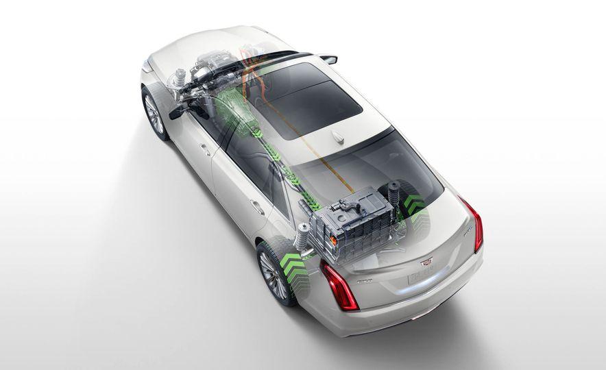 2017 Cadillac CT6 plug-in hybrid - Slide 10