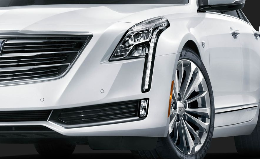 2017 Cadillac CT6 plug-in hybrid - Slide 11
