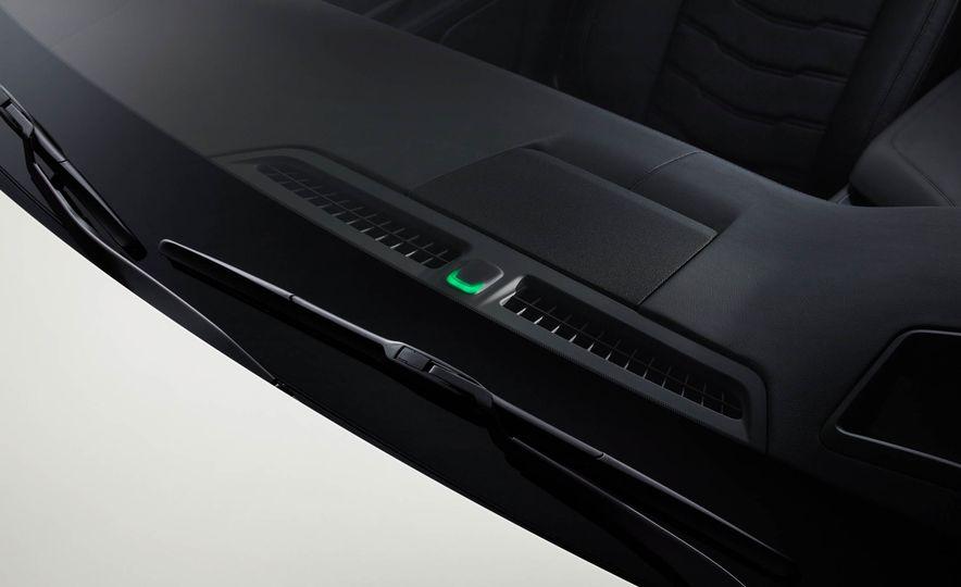 2017 Cadillac CT6 plug-in hybrid - Slide 19