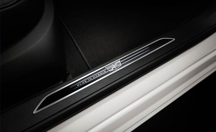 2017 Cadillac CT6 plug-in hybrid - Slide 21