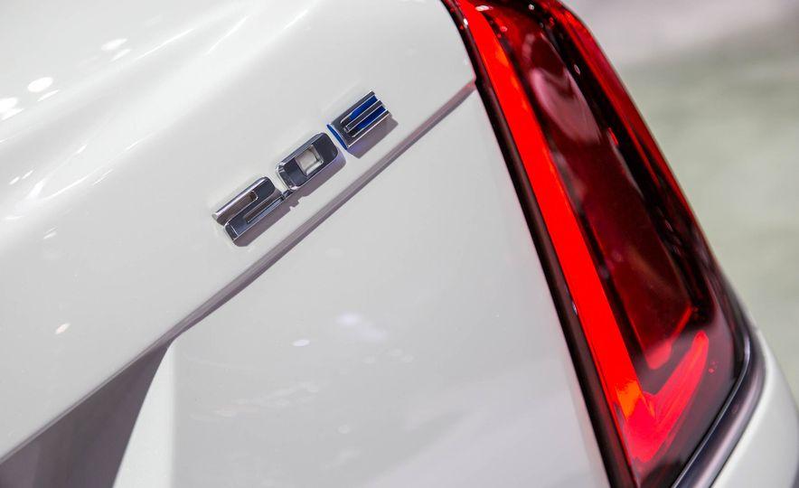 2017 Cadillac CT6 plug-in hybrid - Slide 7