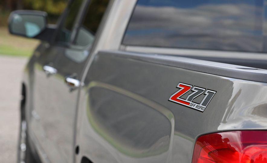 2017 Chevrolet Silverado 1500 LTZ Z71 - Slide 19