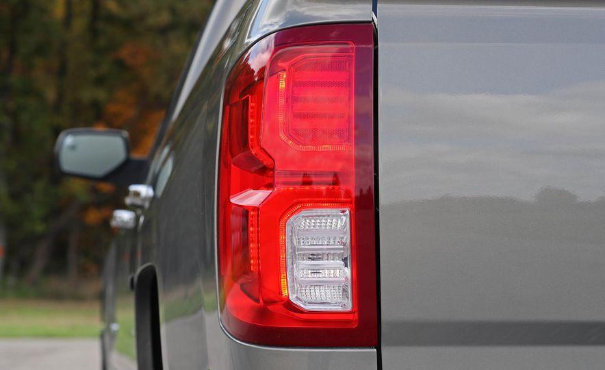2017 Chevrolet Silverado 1500 LTZ Z71 - Slide 21