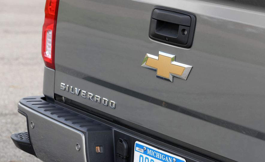2017 Chevrolet Silverado 1500 LTZ Z71 - Slide 22