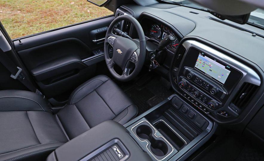 2017 Chevrolet Silverado 1500 LTZ Z71 - Slide 32