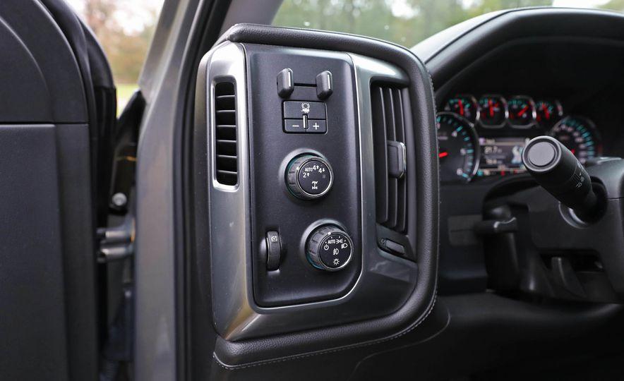 2017 Chevrolet Silverado 1500 LTZ Z71 - Slide 39