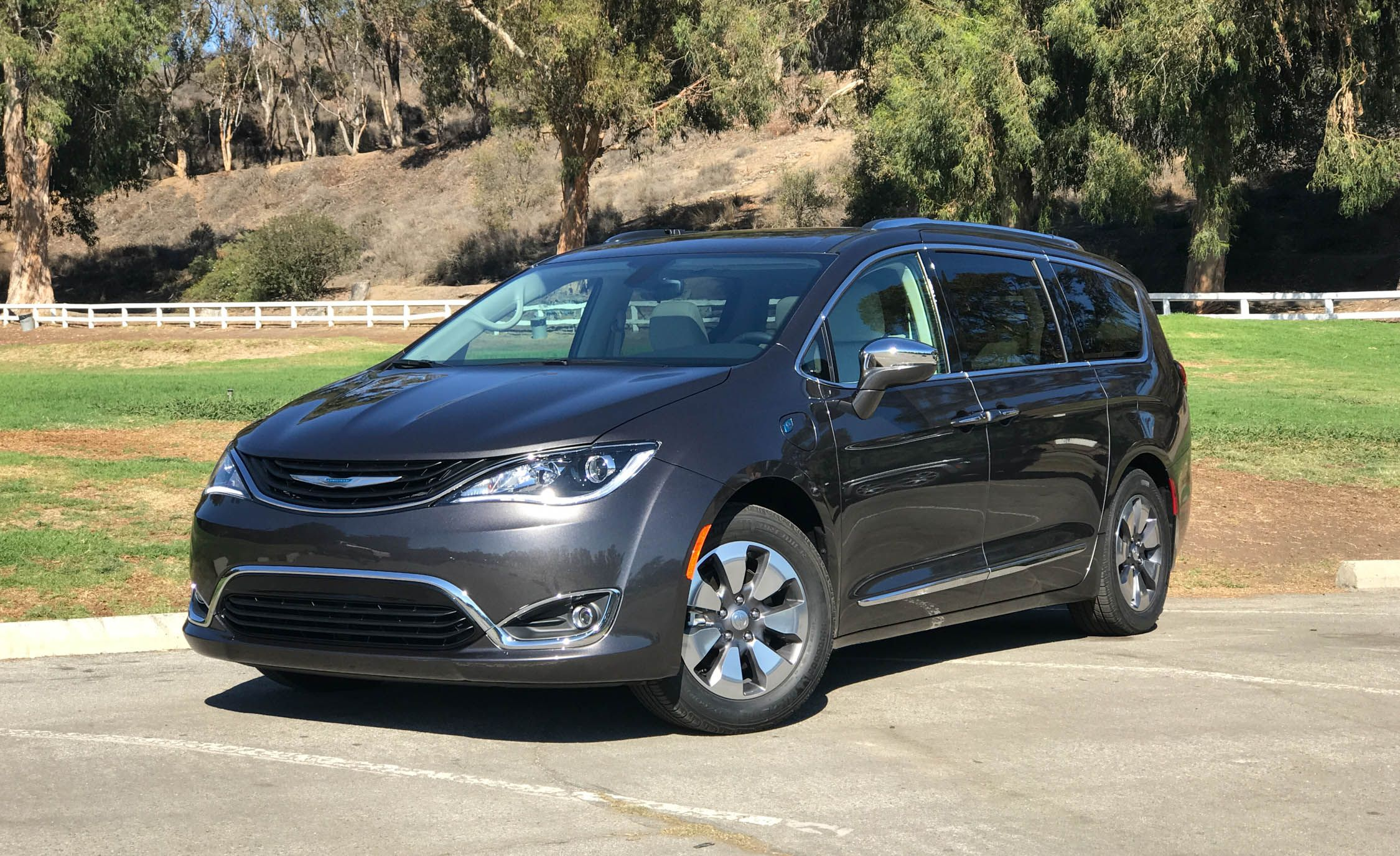 2017 Chrysler Pacifica Plug In Hybrid