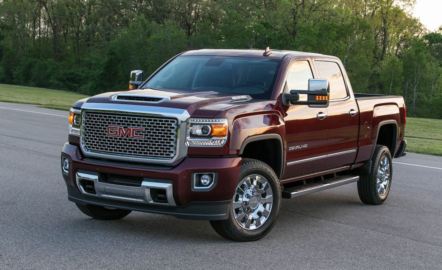 2017 GMC Sierra 2500 Denali HD - Slide 3