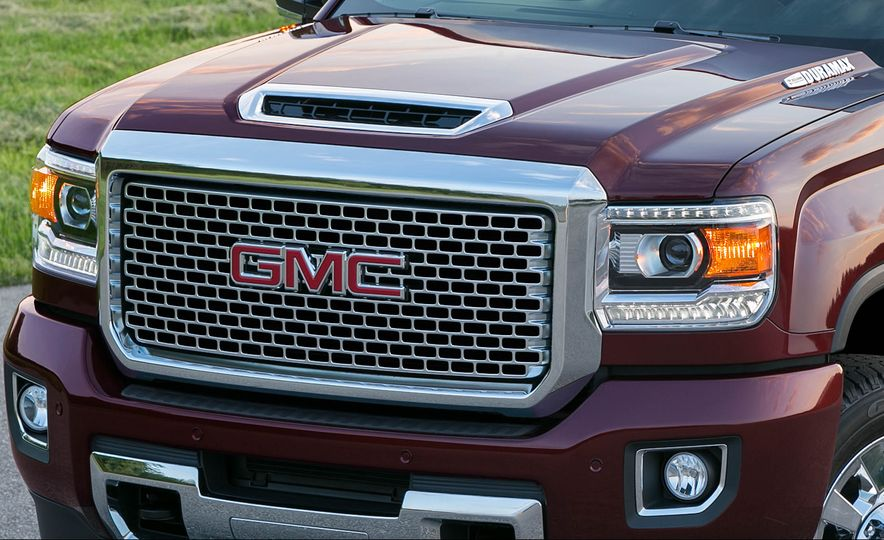 2017 GMC Sierra 2500 Denali HD - Slide 5