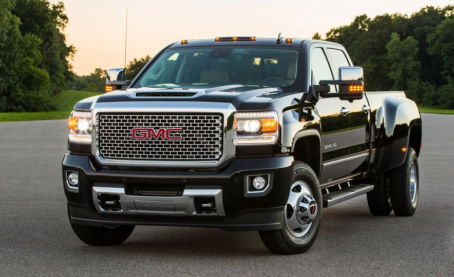 2017 GMC Sierra 2500 Denali HD - Slide 19